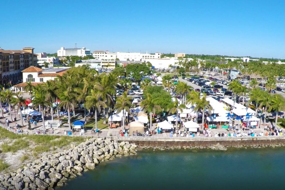 Fort Pierce Downtown Farmers Market in Marina Square